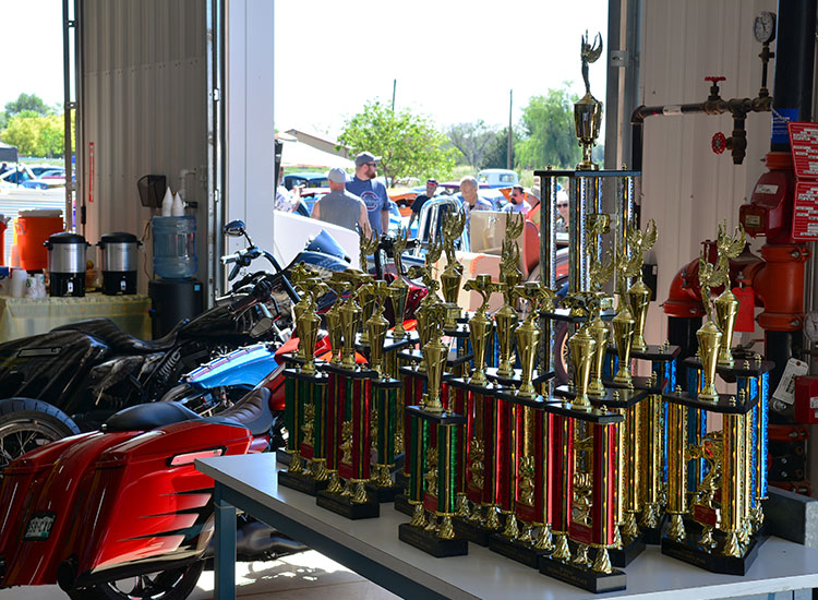 quick-set-auto-glass-annual-car-show-trophies
