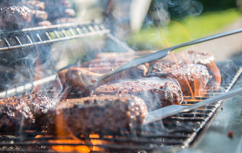 6-essential-tailgating-tips